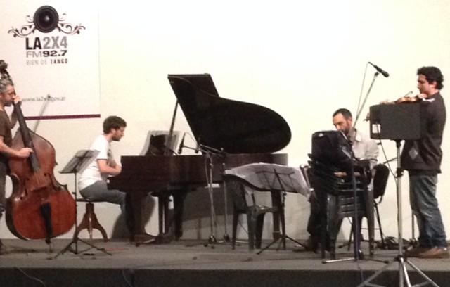 Radio LA 24x7 Ayer hoy era manana. Música en vivo con el debut exclusivo del flamante cuarteto de Federico Biraben.